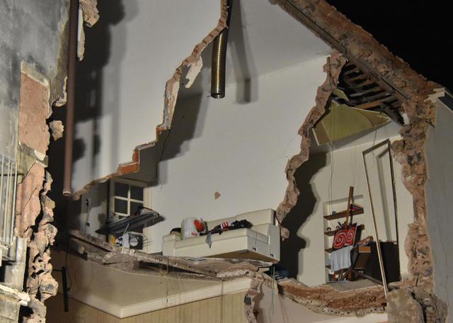 Catania, crolla palazzina: un morto e quattro feriti$