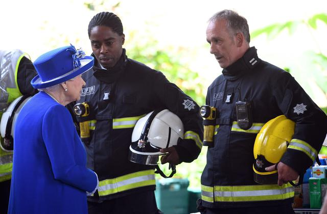 The Queen and Prince William visit Grenfell Tower residents ©