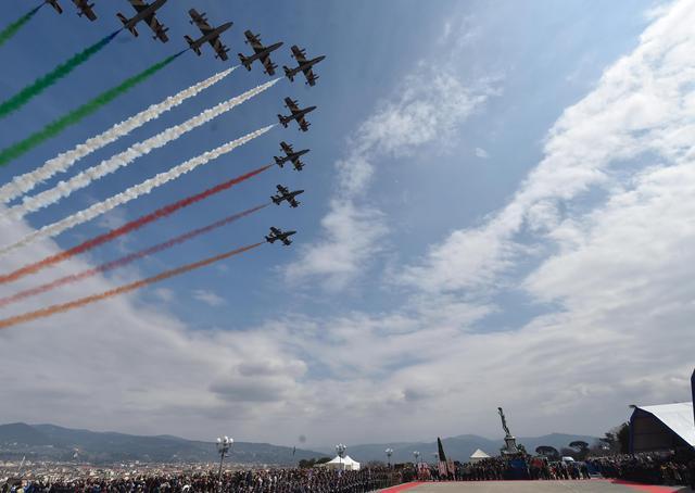 L'Aeronautica militare festeggia i suoi primi 95 anni. Domani a Firenze