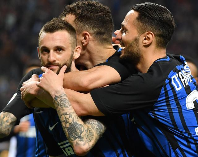 Inter, trattativa doppia per Cancelo: Ausilio incontrerà anche Mendes