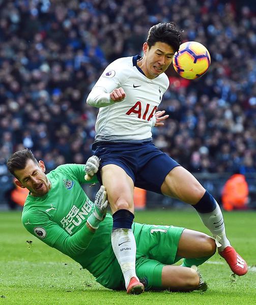 Christian Eriksen In Tottenham Hotspur V Newcastle United: Premier: Tottenham-Newcastle 1-0