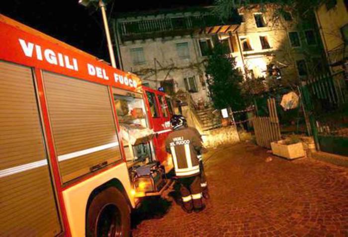 Incendio in condominio a Torino