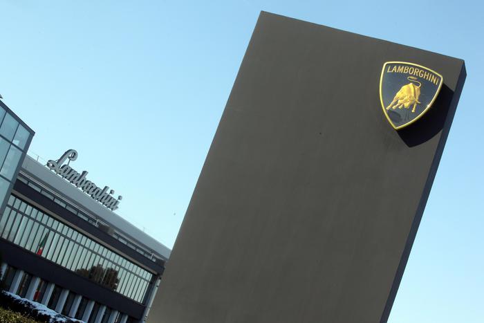 Renzi visita la Lamborghini