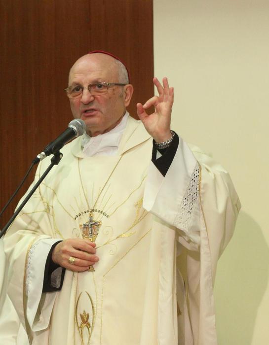 Pompei: vescovo, si continua a sparare