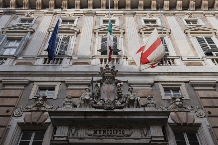 Genova, calano stranieri residenti