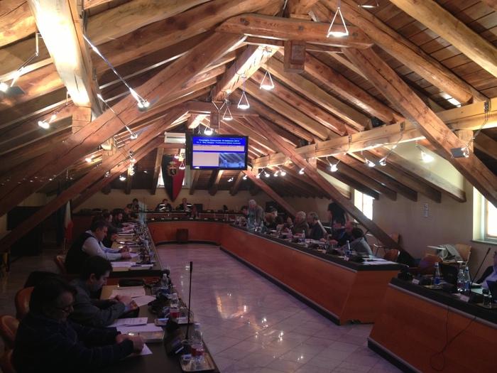 Aosta, minoranze chiedono nuove elezioni