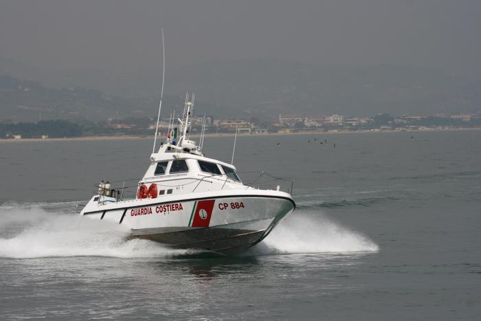 Due diportisti salvati a Giulianova