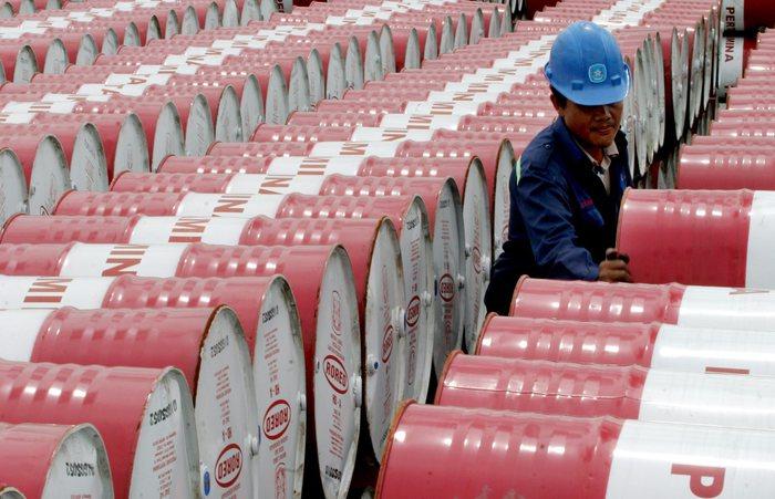 Petrolio: In Calo A Ny