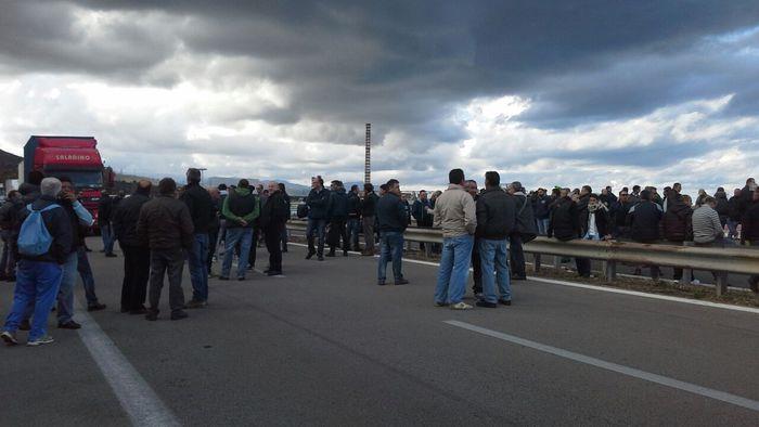 Termini Imerese, operai bloccato autostrada A19$