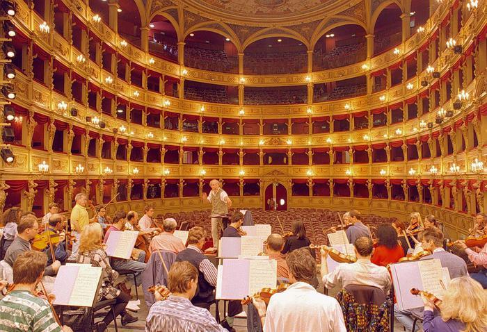 Teatro: da Comune Trieste 2,2 a strutture cittadine