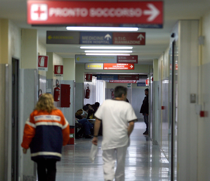 Ricoverata, verme in cibo ospedale Pisa
