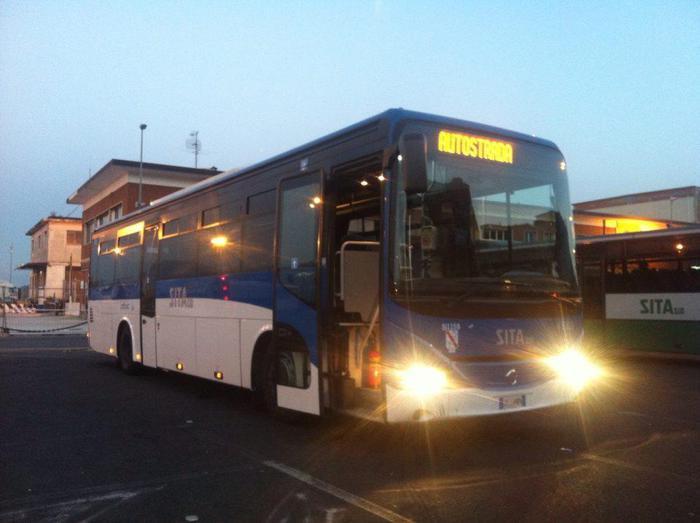 'Portoghesi' picchiano vigilantes su bus