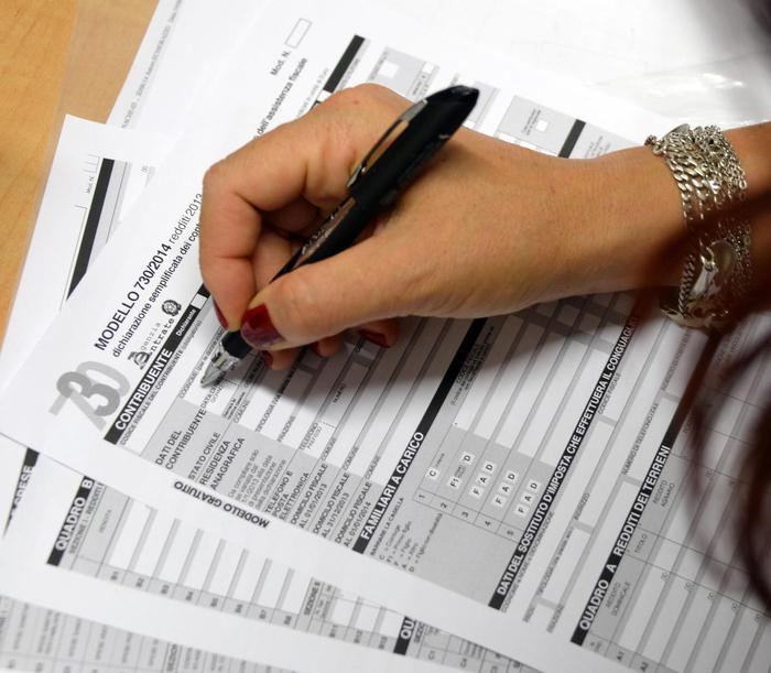 Flat tax: Cgil, dimezza tasse più ricchi - Economia