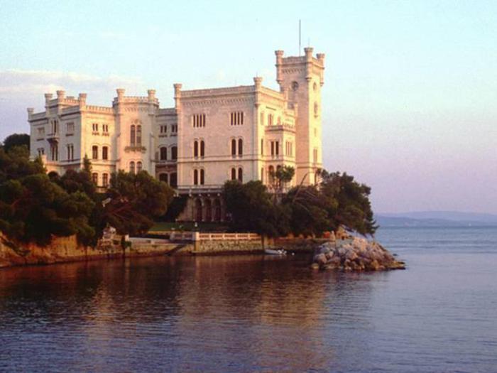 Musei: #domenicalmuseo, 1.133 visitatori a Castello Miramare
