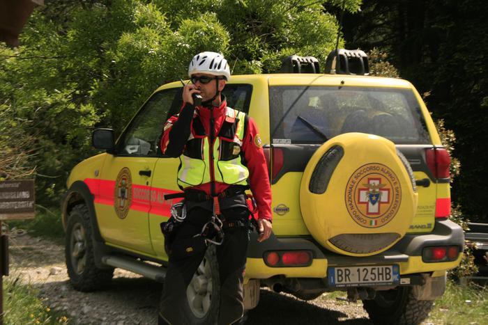 Incidenti montagna: cacciatore salvato da Cnsas