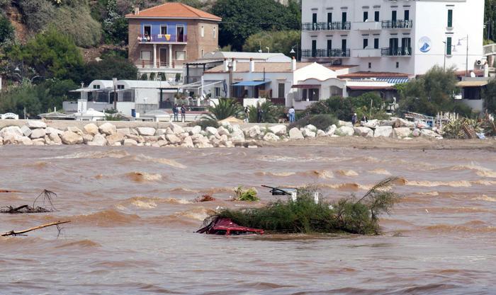 Maltempo: Puglia, chiusa per 20 km ss272