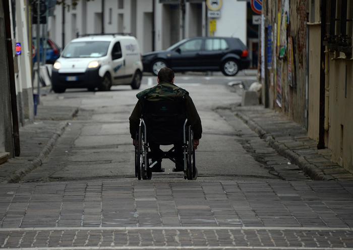 Liguria, disabile può assumere familiare