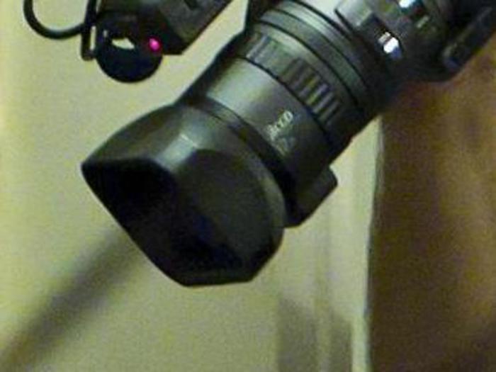 Telecamera in bagno bar denunciato toscana - Telecamera in bagno ...