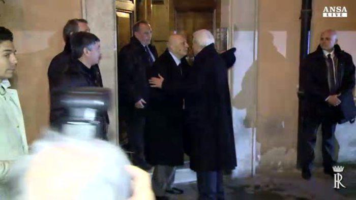 Mattarella a casa napolitano passeggiata a piedi italia for 700 piedi quadrati a casa