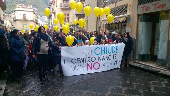 Punti nascita chiusi, proteste a Cefalù e Lipari$