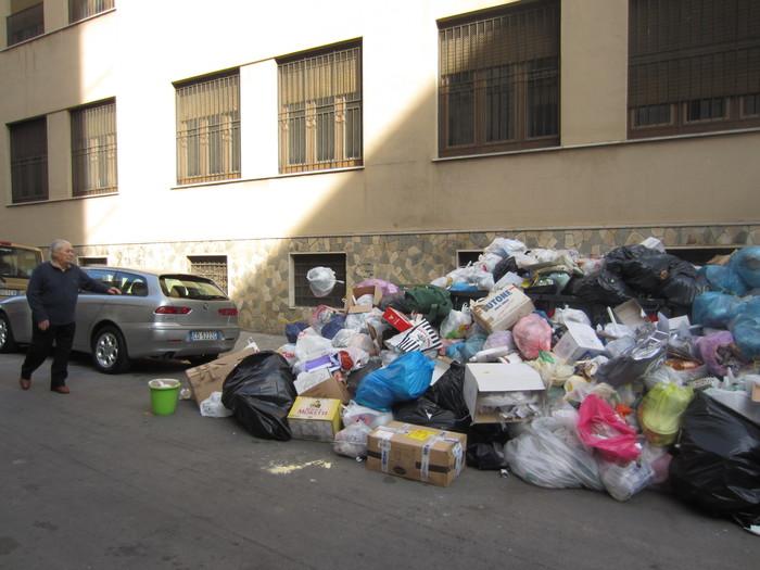 Palermo, emergenza rifiuti: indaga la procura$