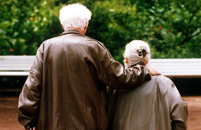 Anziani tentano suicidio per depressione