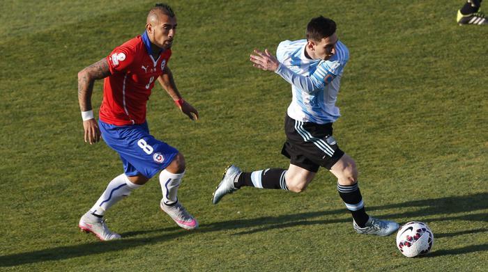 La sfida tra Vidal e Messi