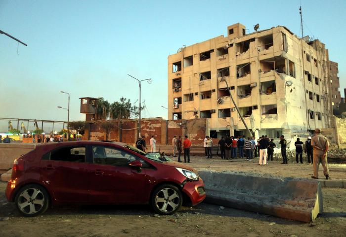 Attentati al cairo 29 feriti - Un importante organizzazione con sede al cairo ...