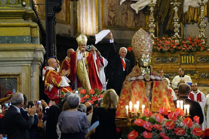 Si ripete miracolo sangue S.Gennaro