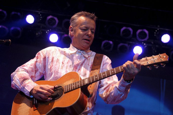Torna a Duse Tommy Emmanuel