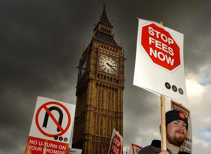 Questionario 'etnico', Londra si scusa