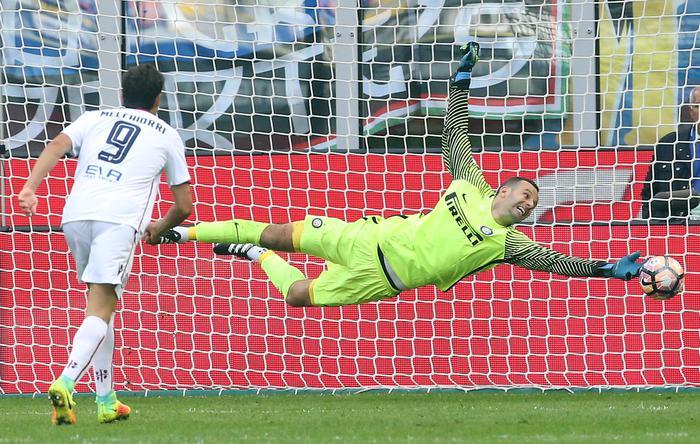 Il Cagliari espugna S.Siro,2-1 all'Inter
