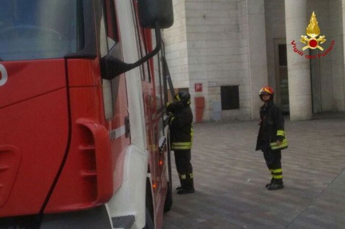 Fumo da locale tecnico stazione Padova