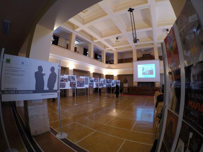 Al liceo D'oria di Genova mostra ANSA 'L'eredità di Falcone e Borsellino'