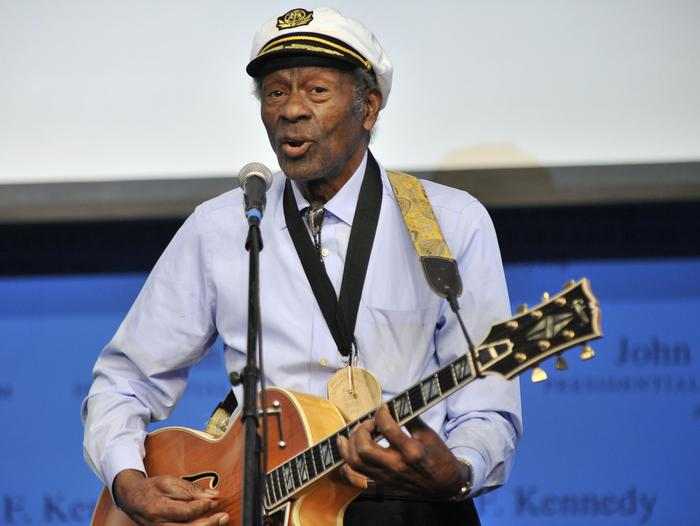 Addio a Chuck Berry, il papà del rock and roll