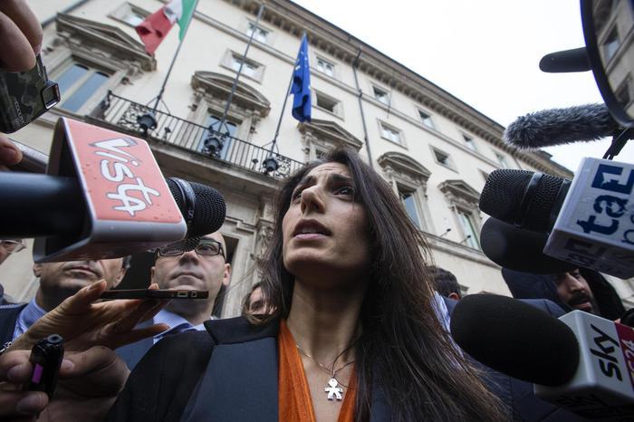 Roma: Raggi, c'è soluzione su salario