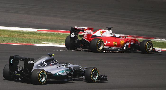 F1: vince Ricciardo, Ferrari solo quarta