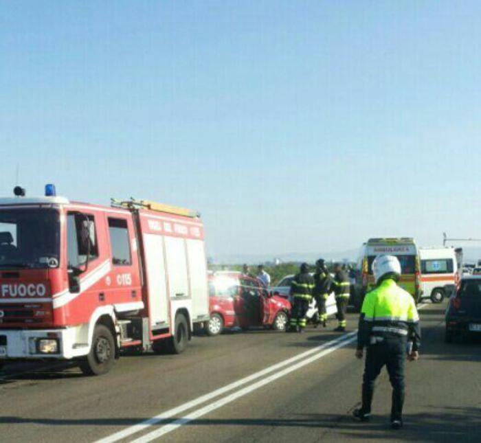 Frontale auto a Macchiareddu, 4 feriti