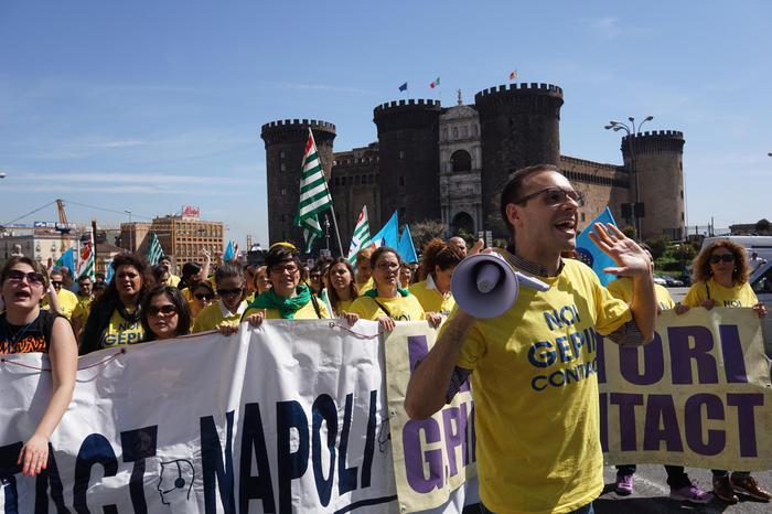 Almaviva chiude a Napoli, via 845 unità
