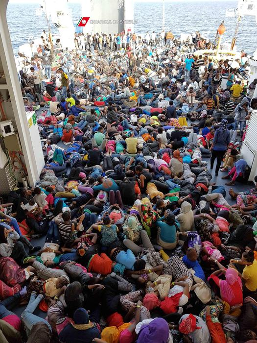 Vescovo Matera, migranti in case sfitte