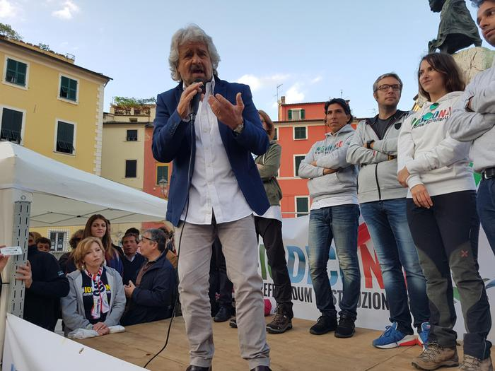 Grillo a Sarzana chiude Marcia del No