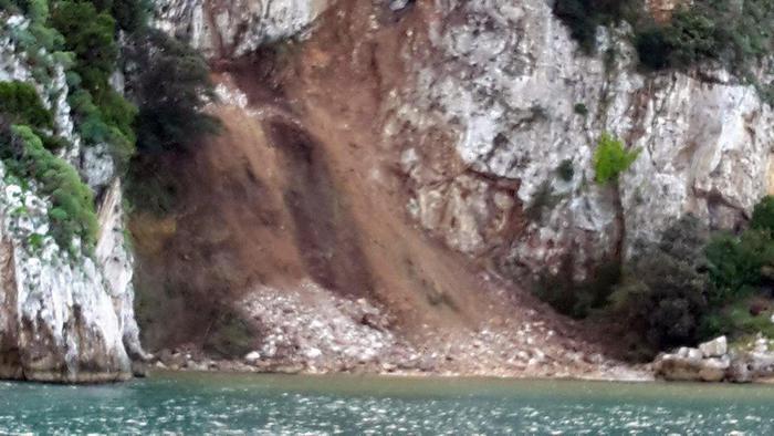 Smottamento a Capri, frana in mare