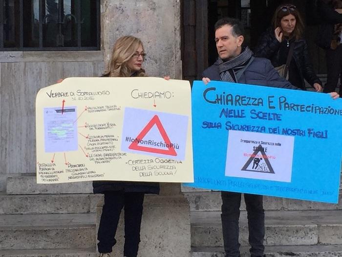 Terremoto:Teramo,scuole sicure, proteste