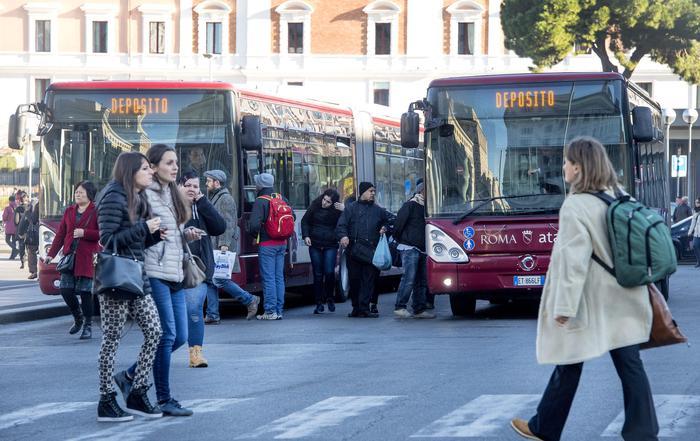 Sciopero trasporti, chiuse metro Roma
