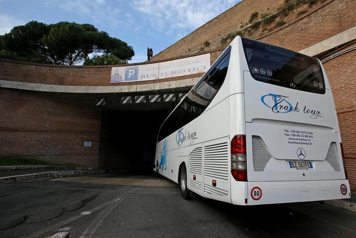 Meleo: stop bus turistici senza permesso