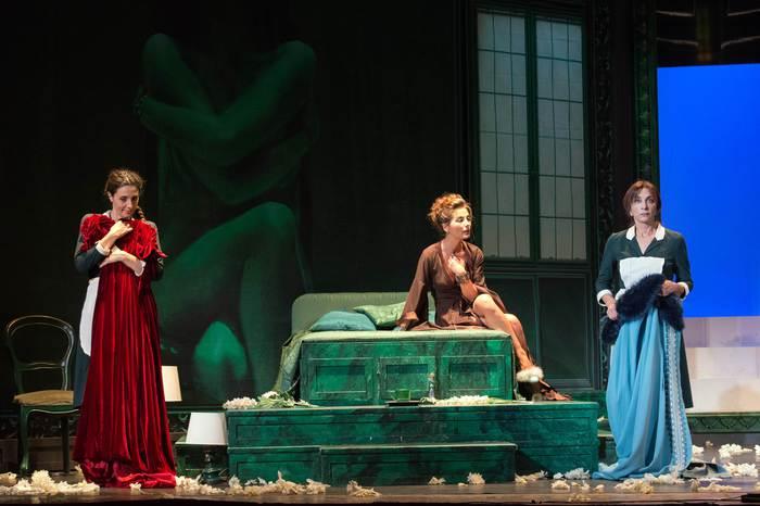 Teatro: 'Le serve' con Bonaiuto e Mandracchia al Biondo