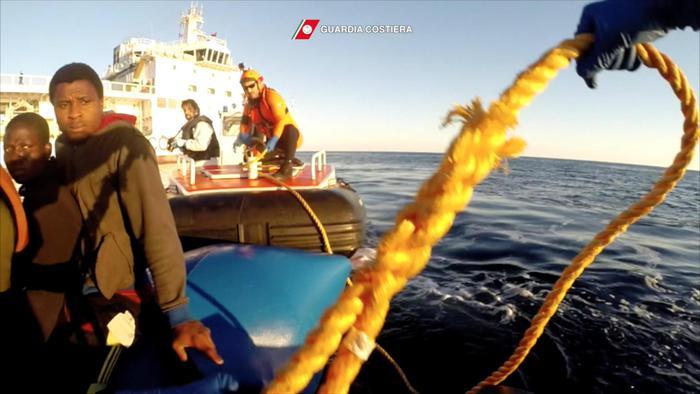 Mediterraneo, recuperati i cadaveri di sei migranti