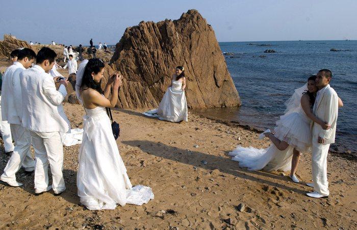 Matrimonio Spiaggia Sestri Levante : A sestri levante sì nozze in spiaggia liguria ansa