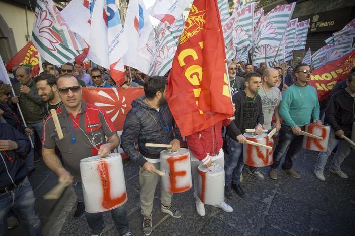 Lavoro sciopero metalmeccanici in piazza a udine for Lavoro a udine