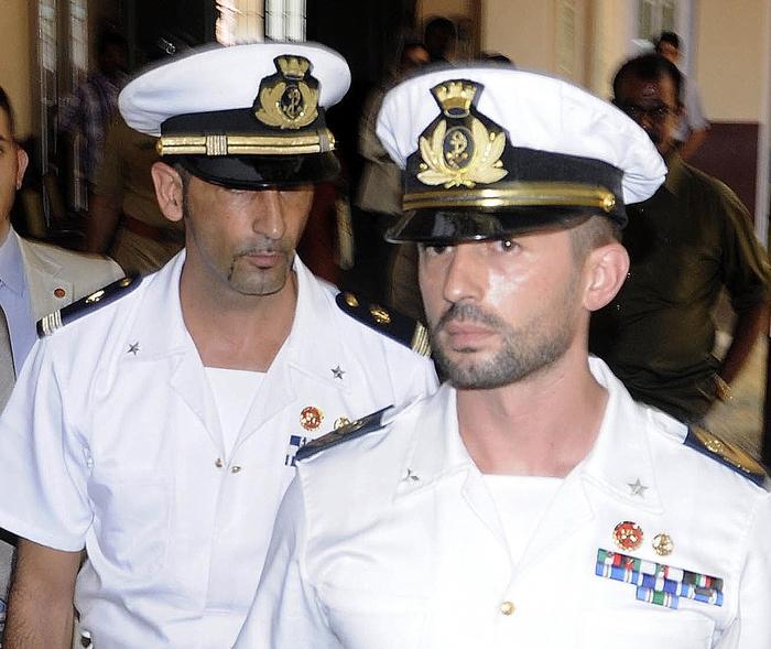 Marò: Girone rientrerà subito in Italia. Renzi: